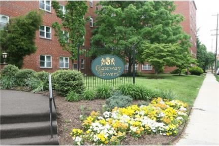 1 bedroom - Welcome to Gateway Towers Apartments in South Philadelphia, Pa.