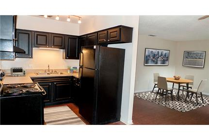 1 bedroom - Welcome home to Fountain Apartments in Lakeland, Florida.