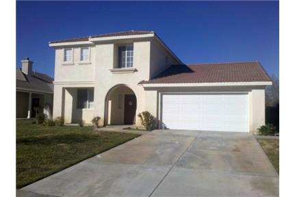 4 Bedroom Home with NEW Carpet & Paint