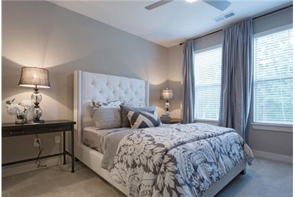 1 bedroom Apartment in Quiet Building - Raleigh - Conveniently located just inside the I-440 Beltline off Lake Boone Trail, Sojourn is your escape in the heart of the city