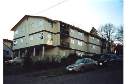 Apartment, $1,917/mo - ready to move in. Offstreet parking!