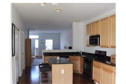 3 bedrooms Townhouse - Newer huge 4 level townhome with roof top deck.