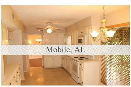 Beautiful two story home located in Japonica Woods. Parking Available!