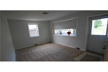 4 bedrooms House - Beautiful home totally renovated with newer kitchen. Pet OK!