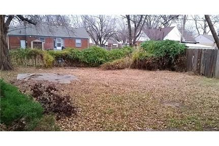House for rent in Wichita. Parking Available!