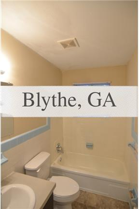 Come snuggle into this charming 4bed 2bath home. Washer/Dryer Hookups!