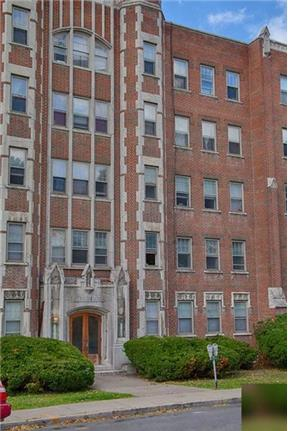 8/1 1 bedroom apartment. - unfurnished, hardwood floors, high ceilings, includes all utilities, laundry on the premises