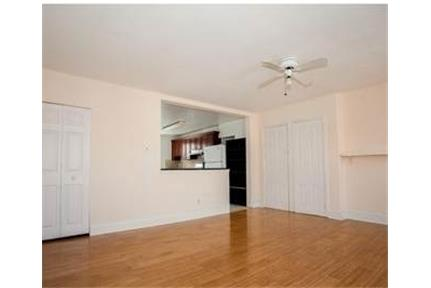 Bi-Level Apartment right off of Main in Manayunk.