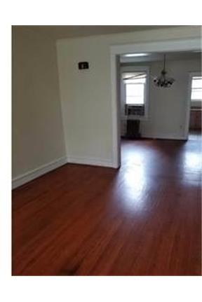 Three bedroom row, close to elementary and middle schools.