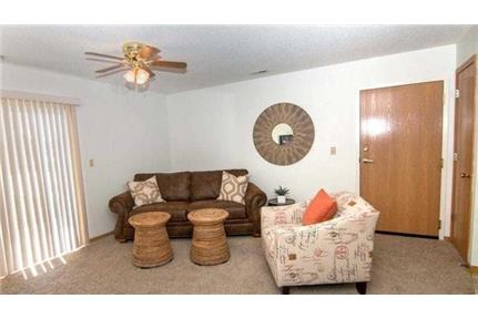 Lincoln, Great Location, 2 bedroom Apartment.