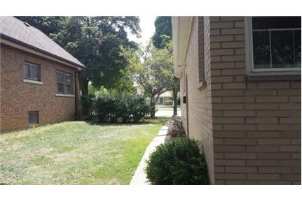 3 Bedroom Lower Duplex- NICE LOCATION