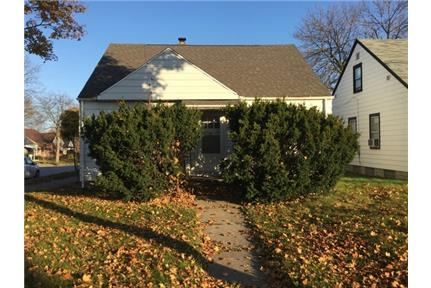 Spacious 3 Bedroom Single Family Home with Garage - 3 Bed/1Bath, Single Family Home with Garage, This property is located just south of Capitol
