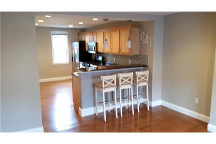 Charming 3 Bedroom Reno In South Side. Open Layout. Large Back Patio. air conditioning. Stainless. D