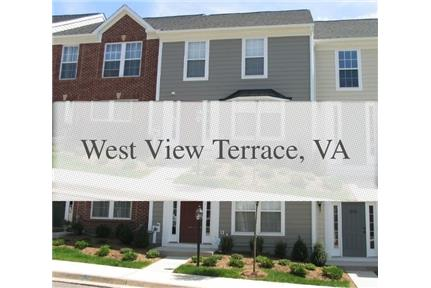 Townhouse in quiet area, spacious with big kitchen. 2 Car Garage!