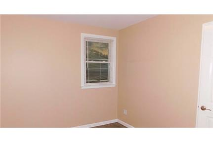 Nice and bright, freshly painted 2 Bedroom, 1 full Bath apartment.
