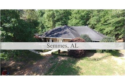 Beautiful home in Semmes on a cul-de-sac with 3 bedrooms and 2 baths.
