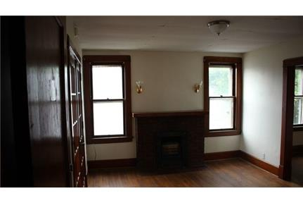This rental is a Grove City apartment S. Pet OK!