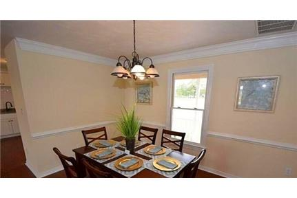 3,730 sq. ft. \ $2,950/mo \ House - must see to believe. Washer/Dryer Hookups!