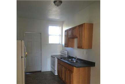 1 bedroom - in a great area. $500/mo