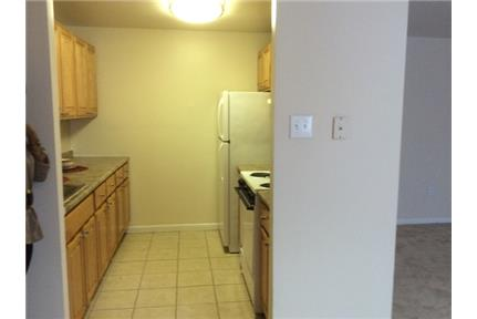 1 bedroom Apartment - Accepts credit cards and electronic payments, University.