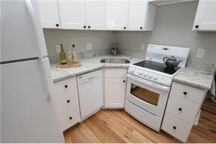 Brand new 2 bedroom unit with beautiful finishes in extension of Northern Liberties