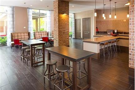 Over 708 sf in Houston - The District at Washington is ideally located in the Heights of Houston