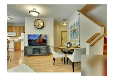 Amazing 2 bedroom, 3 bath for rent. Parking Available!