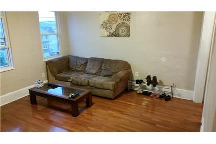 Large South Side Home - Designer Kitchen, Stainless Steel Appliances, Large Bedrooms, air conditioni