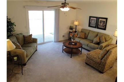 Picture of Apartment for Rent at 10 Sandpiper Trail SE Warren, OH 44484