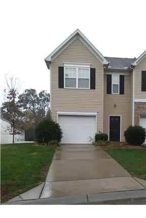 1250 3 Bed 2 5 Bath Townhome W Garage In Charlotte Nc