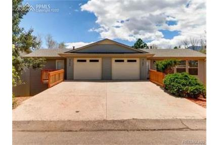 Beautiful 3 Bedroom 2 5 Bath Home In Colorado Springs Co