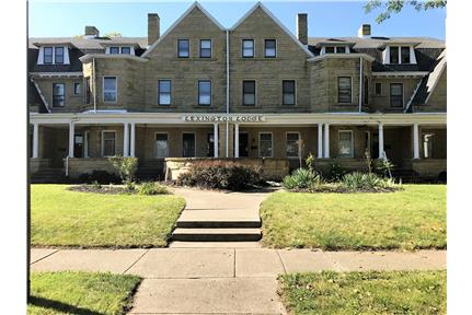 Massive 5-bedroom historical townhome for rent!