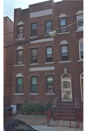 Lovely 2 bed apartment near trains and hospital for rent in Elmhurst, NY