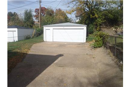 Picture of House for Rent at 14448 Jamestown Bay Dr, Florissant, MO 63034