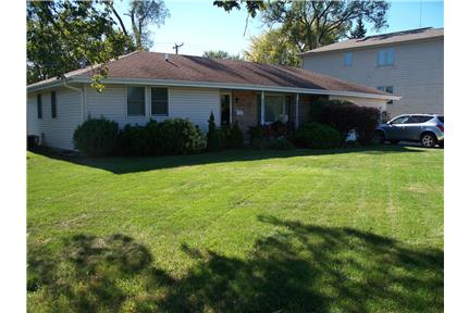 3 bedroom 2 bath ranch house for rent in joliet il for Three bedroom two bath for rent