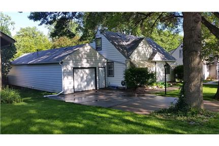Large 3 Bdr Perfect Location 1836 S 52nd St In Lincoln