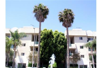Beverly Hills Adj.$2495 2 Bd +2 Ba Move in special for rent in Los Angeles, CA