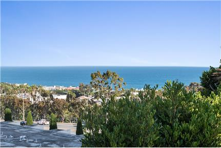 $5550 / 2br - 1360ft2 - Ocean View beautiful 2 br for rent in Woodland Hills, CA