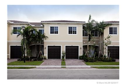 Gorgeous Resort Style Town-home 786-975-5910 for rent in Miramar, FL