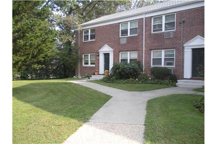 1 2 Bedroom Apartment In Stamford Ct For 1 Daycroft Apartments