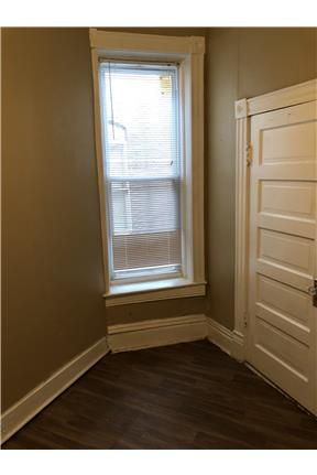 Spacious 3 bedroom apartment for rent in St. Louis, MO
