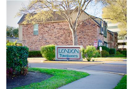 two story townhome  1 575 00 all bills paid  in houston