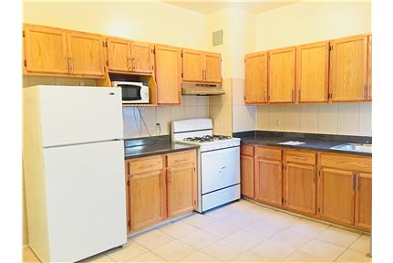NO FEE 1Br apartment on 150th St/88 Ave Jamaica for rent in Jamaica, NY