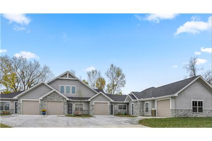 Brand New Villa For Lease! for rent in Lenexa, KS