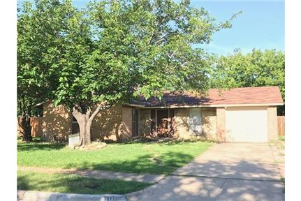 212 Ridgeway Circle- NEWLY REMODELED for rent in Lewisville, TX