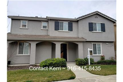 Beautiful 5 Bedroom - Walk to everything! for rent in Lincoln, CA