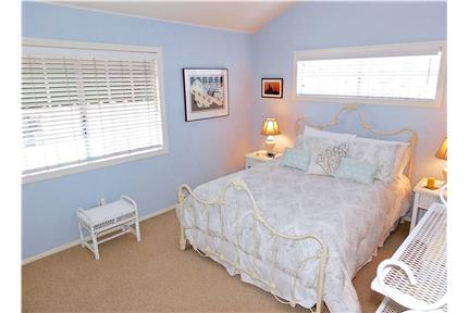 Picture of House for Rent at 255 1/2 Newport Avenue, Long Beach, CA 90803