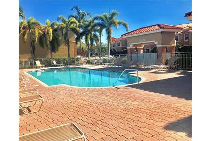 3/2.5 TOWNHOUSE, GATED, W/D for rent in Pembroke Pines, FL