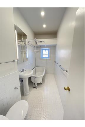 Picture of House for Rent at 300 S 10th St, Apt 4, Philadelphia, PA 19107