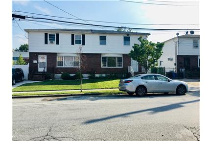 3 Bedroom House in quiet yet vibrant neighborhood for rent in Staten Island, NY